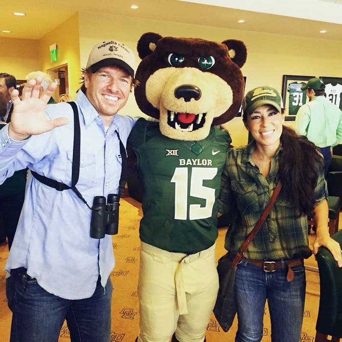 Image of Chip and Joanna Gaines together.