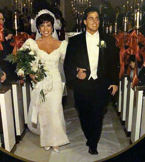 Robin Yeager's married life to her husband.