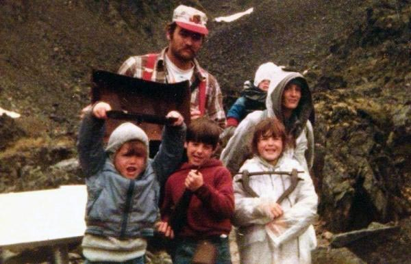Image of Marty Raney and his wife and children.