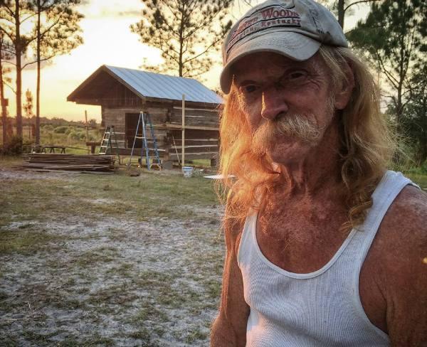 Image of Barnwood Builders's cast members, Johnny Jett